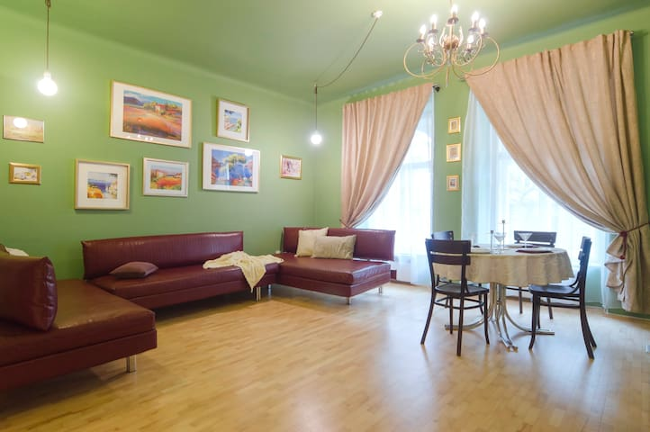 Central apartment on Vinohrady.