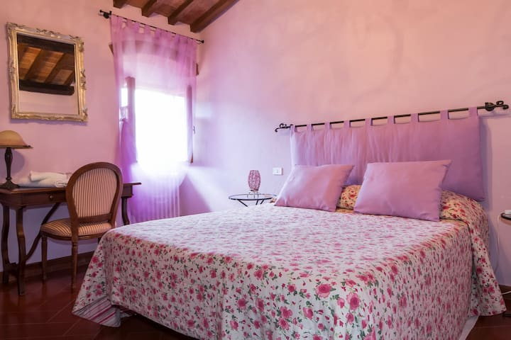 rooms Le Cetinelle in Greve italy