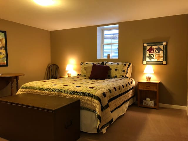 Charming Room in Old Delmar