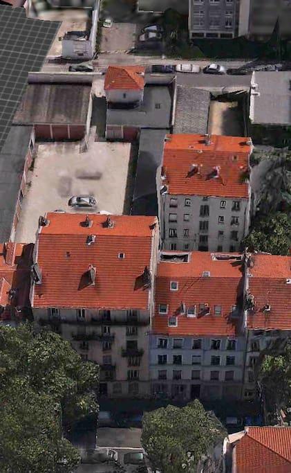 Bâtiment B situé sur cour en retrait de l'avenue...