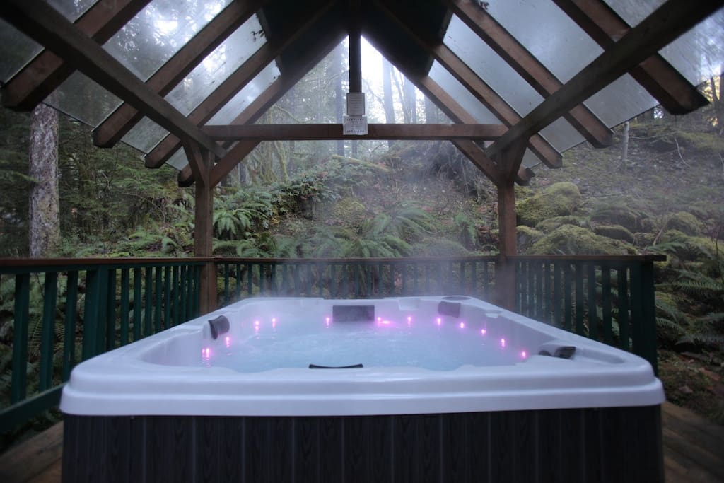Covered Hot Tub on Deck