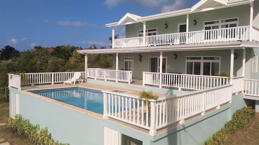 The Sundowner Villa Not Far From Rodney Bay