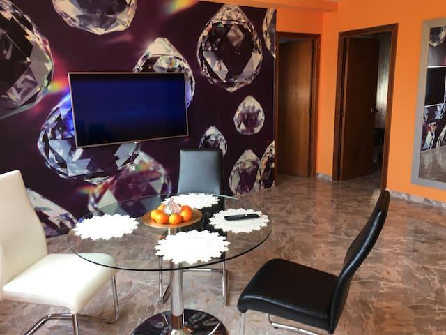 Habitación privada!+Salón con TV 55*/+WiFi gratis!