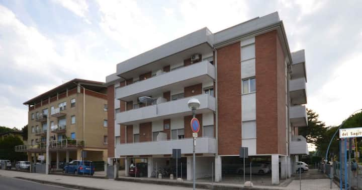 apt for 2+2 persons with a/c in Bibione R81841