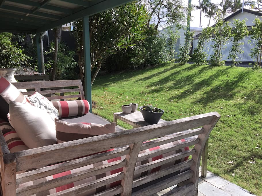 Relaxing day bed on quiet laneway