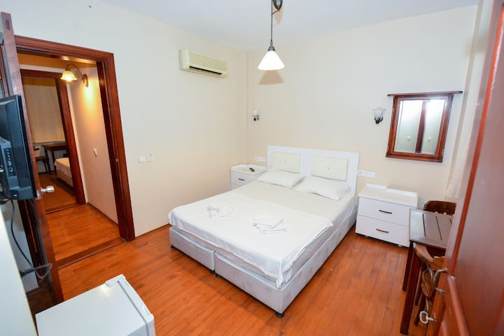 A Double Room Near Hadrian's Gate in Old Town