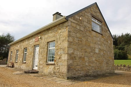 The Old School House, Donegal, Drumnaherk, F94R990