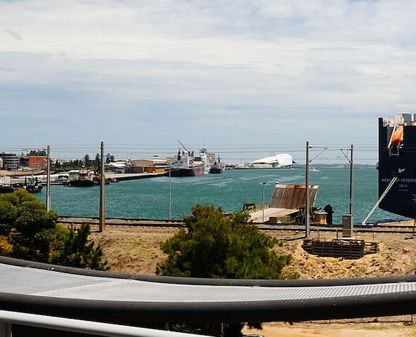 Aquablu Apartment with view - North Fremantle - Apartment