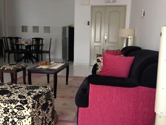 1-World Condominium - Bayan Lepas - Apartemen