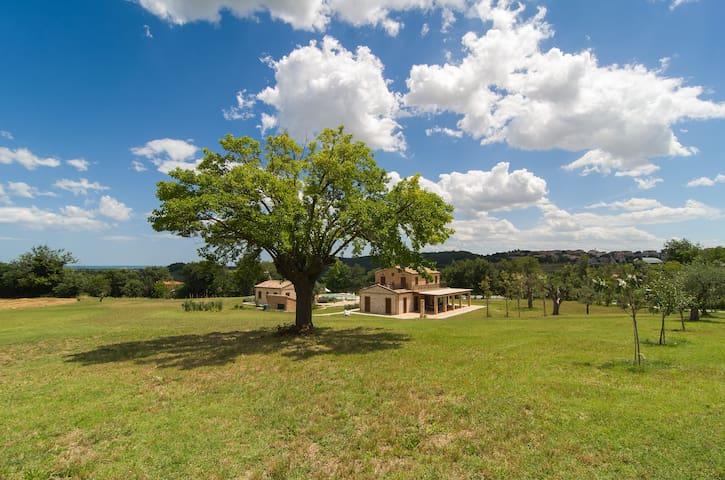 Enchanting farmhouse in Marche 1 - ROSMARINO