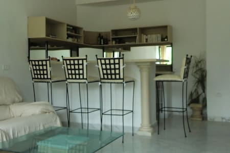 Beau studio à CARTHAGE SALAMMBO - Carthage
