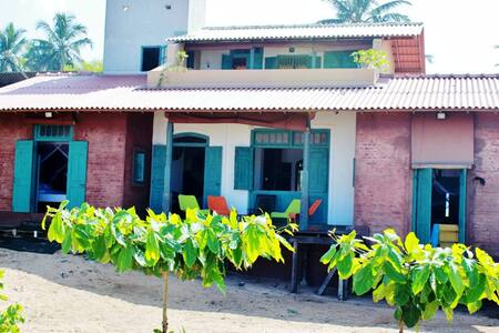 Beach Villa in Balapitiya - Balapitiya