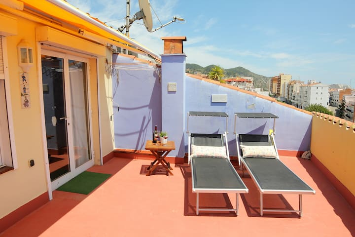 Enjoy SITGES from this attic see views ! - Sitges - Bed & Breakfast