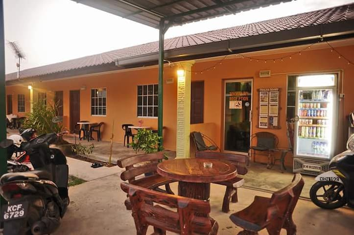 Tokman Inn Langkawi - Tok Ki Room 2