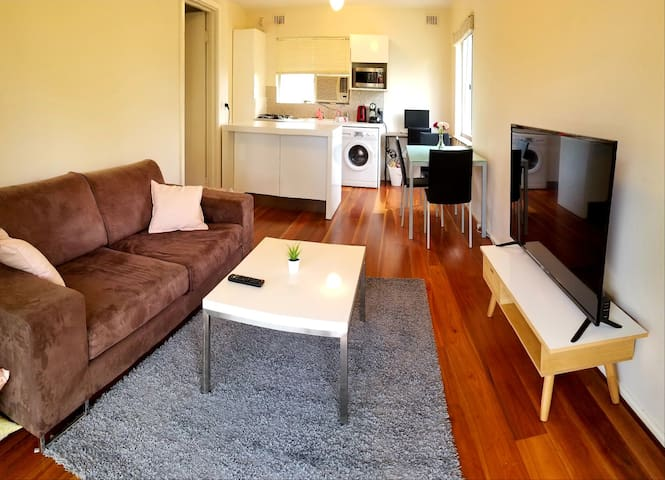 One Bedroom Apartment in the Heart of Leederville