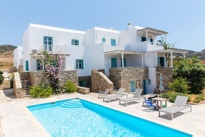 5 bedroom maisonette with pool - Antiparos - House