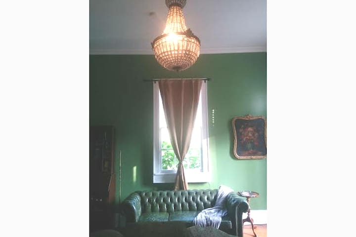 5 Star Historical Home-Monthly/Bikes Avail-Bywater