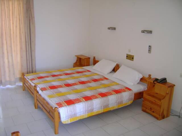 Δίκλινο διαμέρισμα στο Ξενοδοχείο Καλλιθέα