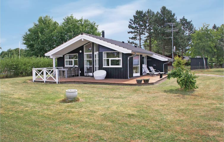 Holiday cottage with 3 bedrooms on 80 m² in Korsør