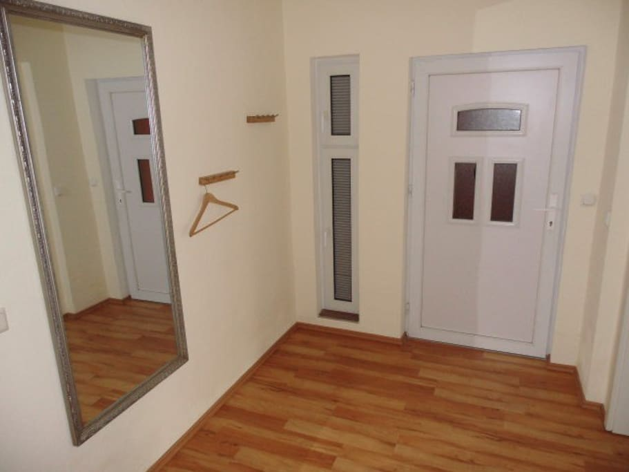 2 raum fewo dresden altstadt l2 wohnungen zur miete in dresden sachsen deutschland. Black Bedroom Furniture Sets. Home Design Ideas