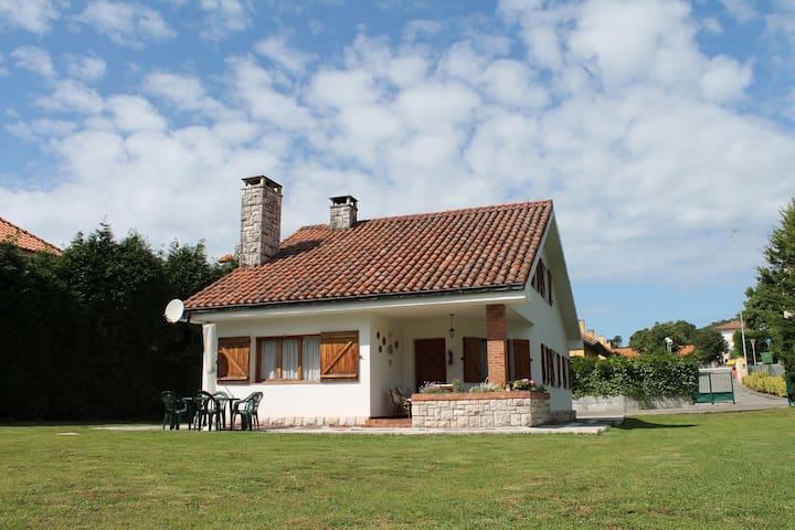 Chalet Individiual con jardin  - Arce  - House