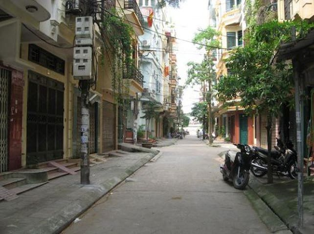 Street View and easy to transport. - Ha Noi City, Tay Ho District - Casa