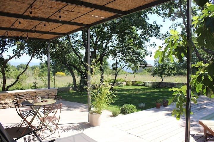 L'Atelier à Lacoste (Provence)