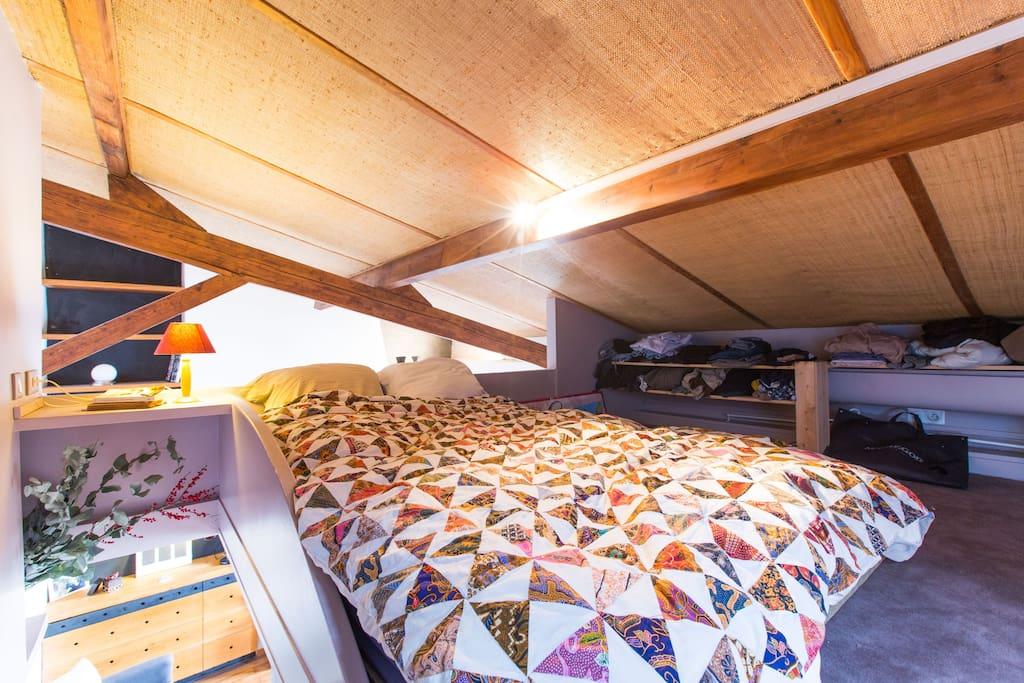 Quiet sleep under the rooftop ...