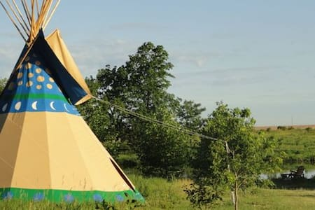 Walking Stick Adventures Tipi Camp - Williamsburg - Tipi