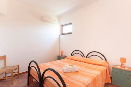 Torre di Marmora Appart. 5 villa 4 - Messina - Appartement