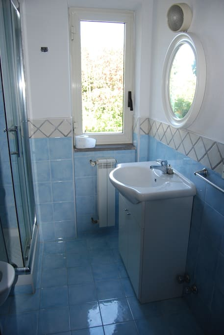 WC+shower room 1