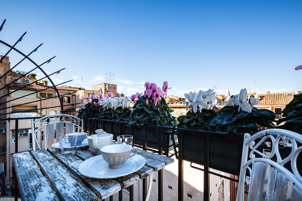 Luxury romantic rooftop home spanish steps flats for for Airbnb roma