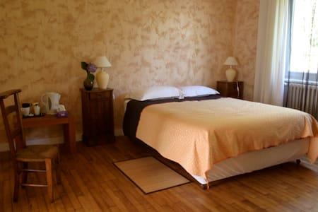 LOARGANN B&B Family Room (up to 4)  - Plogastel-Saint-Germain - Bed & Breakfast