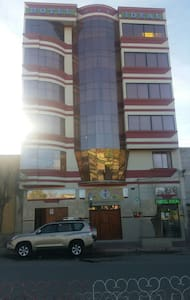 HOTEL IDEAL ambientes amplios ubicado en el centro