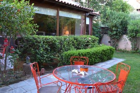 -30% off season Beautiful house in Saronida bay - Saronida