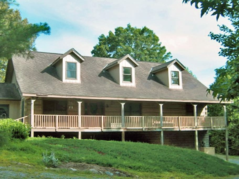 Welcome to our beautiful log home in the Tennessee mountains!