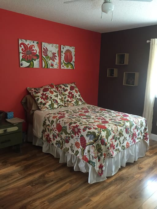B102.  Queen bed with direct access to bathroom.
