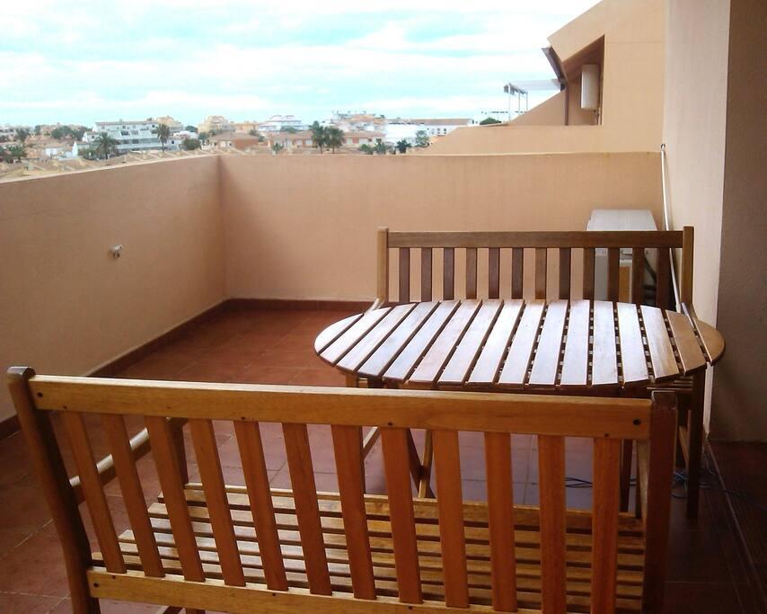 Gran terraza ideal para desayunar y cenar