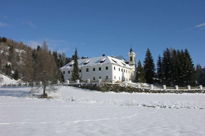 Schloss Berg Klösterle S (EG)