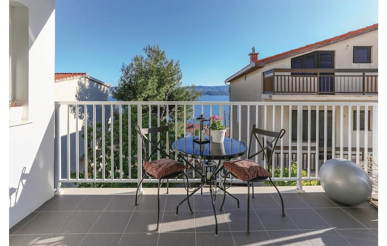Holiday apartment with 2 bedrooms on 74 m² CDF042