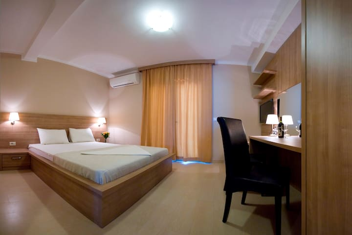 Double studio apartment - Petrovac - Bed & Breakfast