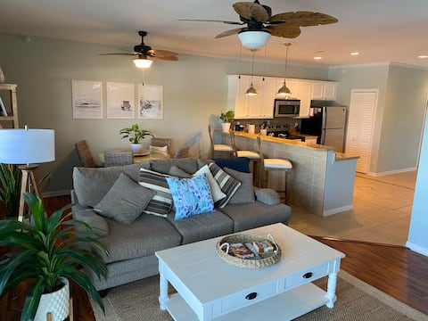 Waterfront 3BR/2BR Osage Beach Condo with Balcony