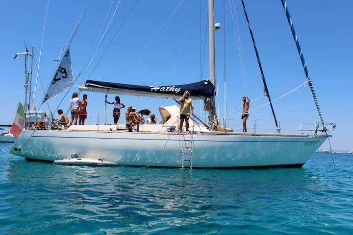 Boat & Breakfast Sorrento sailing