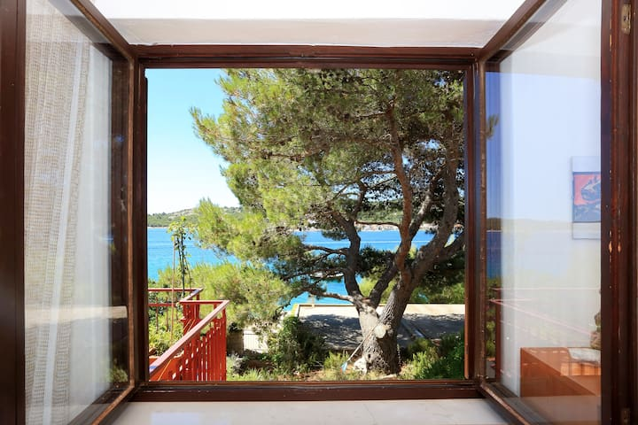 ☀ charming apt. by the sea Tisno ☀