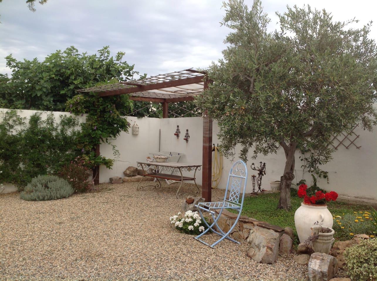 Piccolo villino La Caletta entrata indipendente. - Lofts for Rent in ...