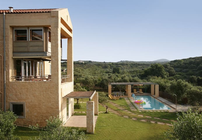 Superb Accessible Architecs villa. - Chania - Villa