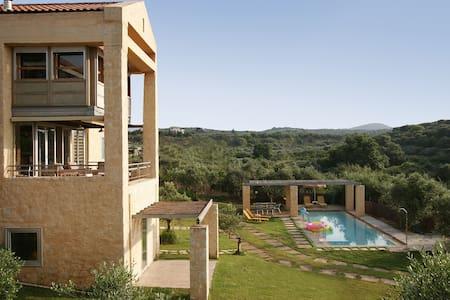 Superb Accessible Architecs villa. - La Canée