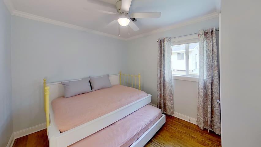 1 full size and 1 single Bedroom #2 Sleeps 3