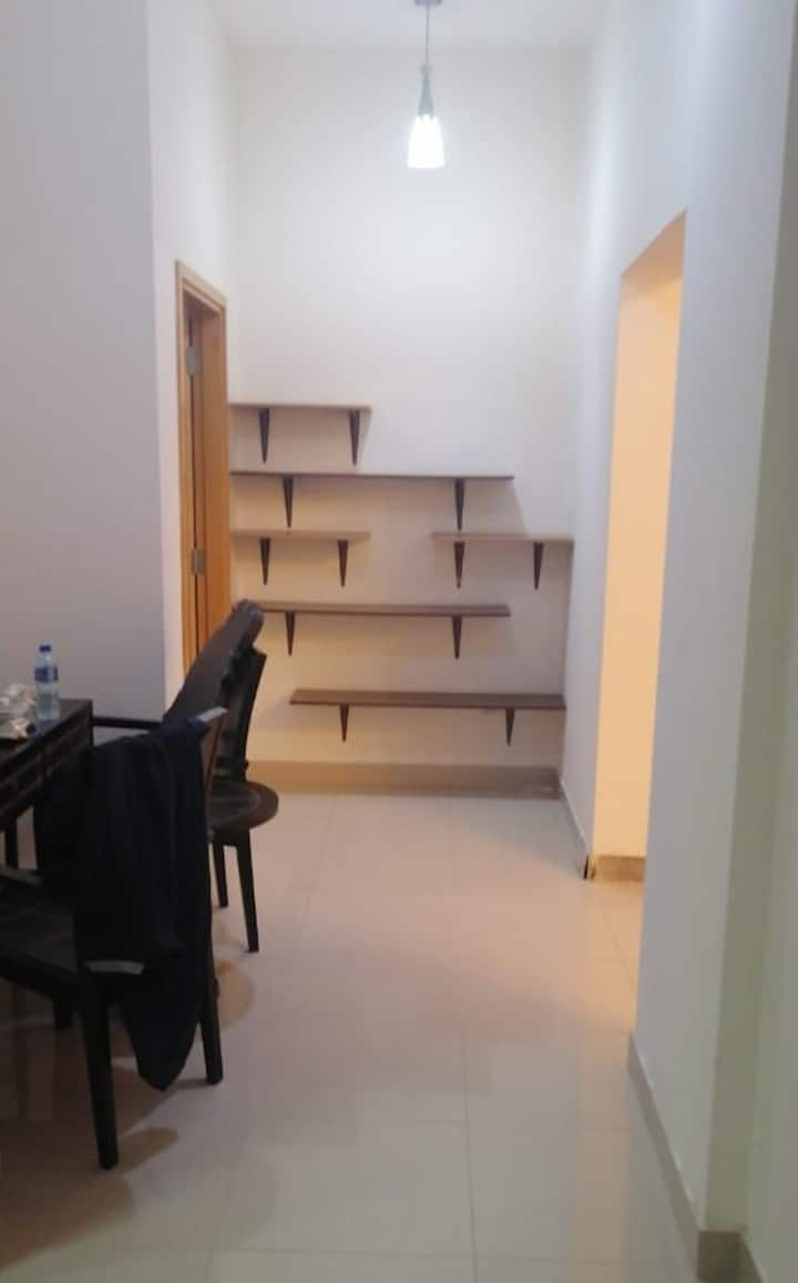Private Apartment + Parking + King Bed + twin Bed