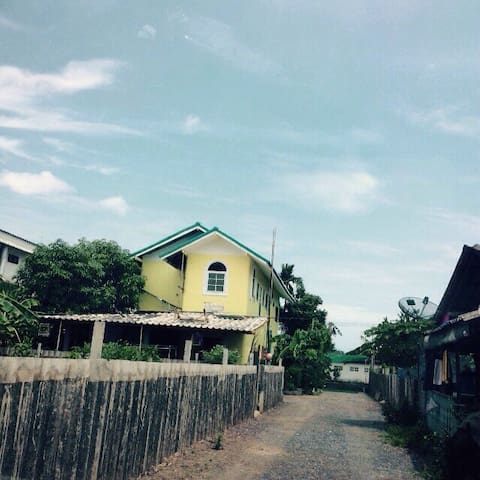 Thai contemporary style home stay